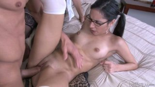Four eyed girl Tia Cyrus taking part in hot foursome scene