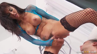 Gia DiMarco gets nailed by Keiran Lee